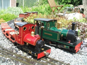An early Finscale Peckett posed with a Roundhouse